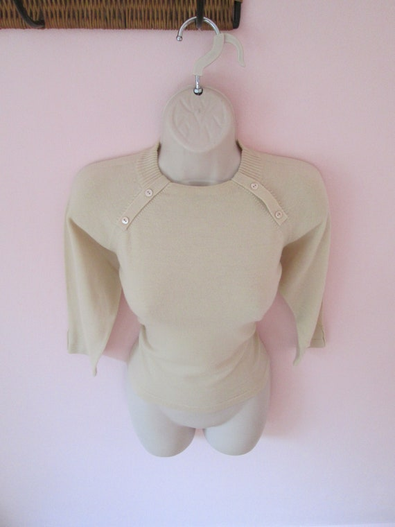 Sweater Girl Vintage 1950s 50s Beige Knit Pullover