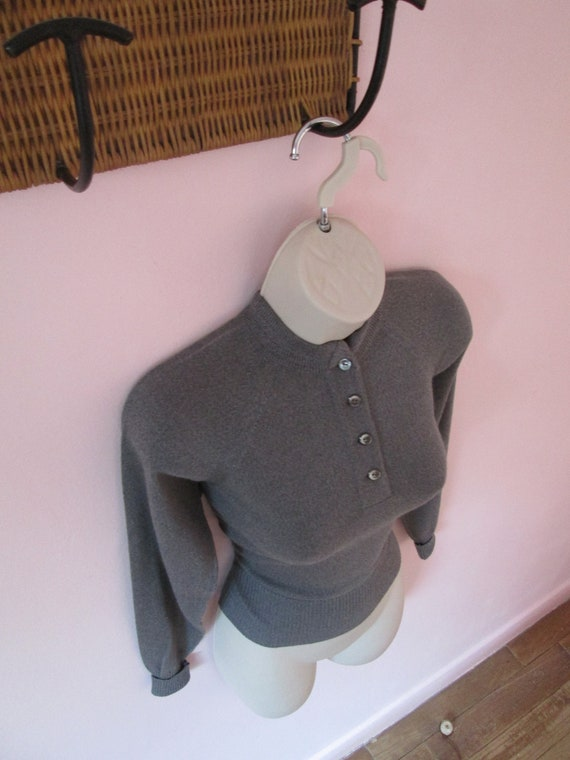 Sweater Girl Vintage 1950s 50s Grey Wool Knit Pull