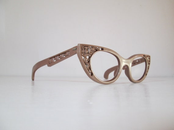 Amazing Vintage 1950s 50s Carved Rosy Brown Cool R