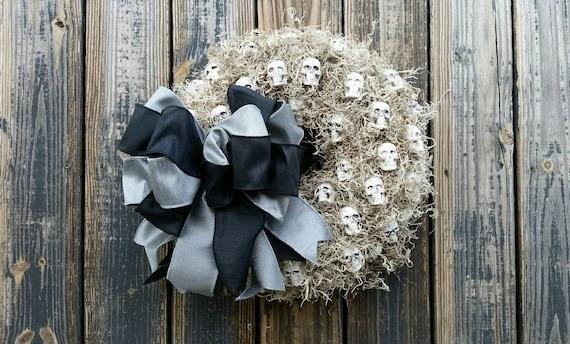 Halloween Wreath, Gothic Skull Wreath, Skull Wreath,