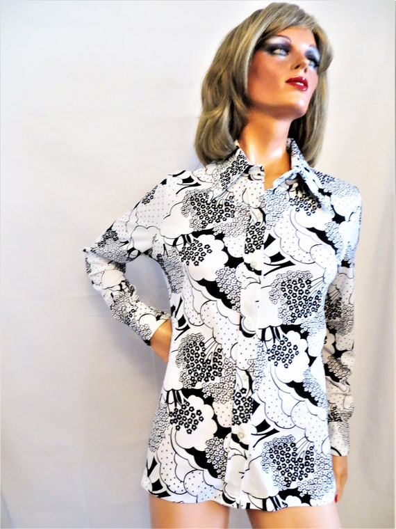 60s 70s Black and White Psychedelic Blouse, Polyes