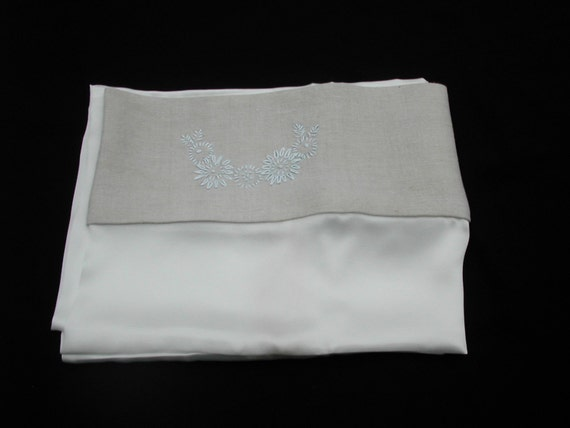 Pure silk pillowcase with natural linen trim (single)