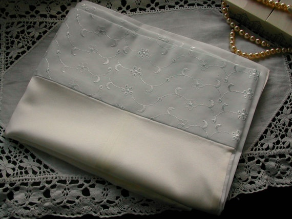 pure silk pillowcase with cotton back and broderie anglaise trim (pair)