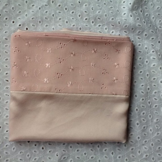 Pale pink charmeuse silk pillowcase with cotton back and broderie anglaise border(single)