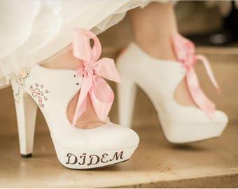 df21bd9b38 Unique bridal shoes | Etsy