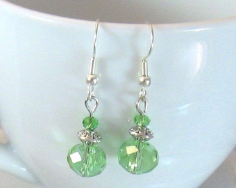 70c0eae10c9e Celedon (verde pálido) fuego-pulido cristal   plata aretes