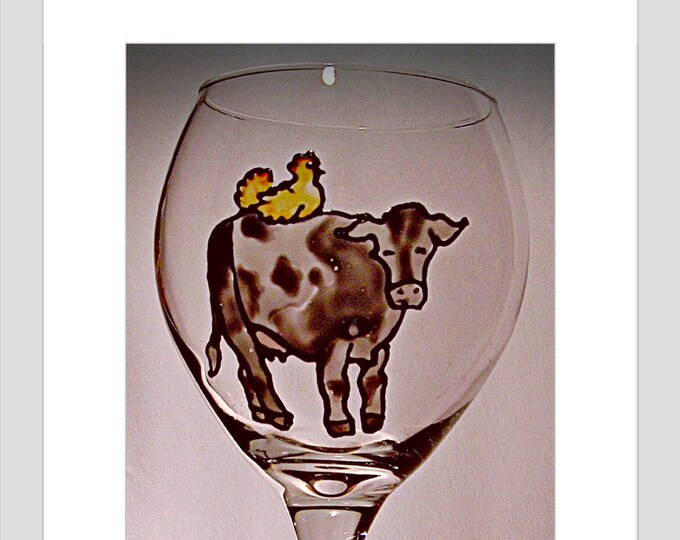Farmhouse Cow Wine Glass Barn Wedding Farm Wedding Dairy Farm Cow lover Farmhouse decor Gift for him Gift for her Housewarming Gift for Mom