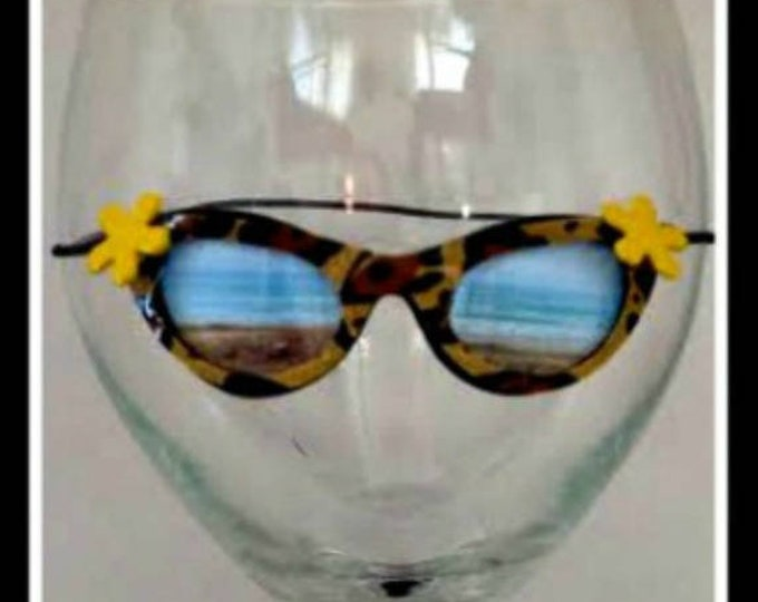 Leopard Print Sunglasses for Wine Glasses Funny Wine Charms Cute Wine Charm beach scene bridesmaid gift for her bridal shower party favor