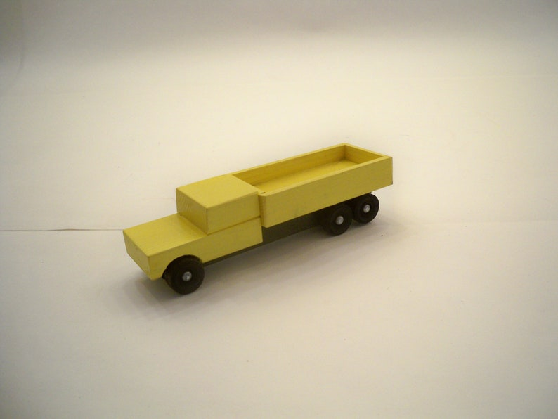 Classic Style Wood Toy Toy Flat Bed Truck Kids Wood Toy A Toy For Boys and Girls Wood Truck