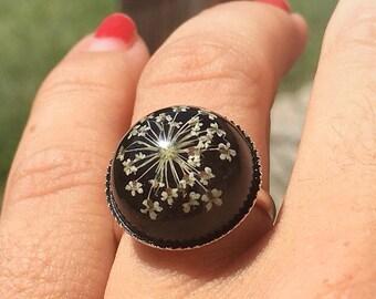 resin flower ring, botanical ring, flower resin ring, gift for girlfriend, terrarium rings, botanical jewelry, real flower ring, nature ring