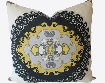 Trina Turk, Schumacher, Designer Outdoor, Super Paradise, Driftwood, Pillow Cover, 22x22, 24x24, 26x26. Patio Pillow, Outdoor Throw Pillow