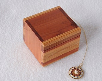 Necklace Ring Box Anniversary COQ62 Unique Wood Jewelry Box for Women and Men Small Earring Box Christmas Gift Keepsake Box