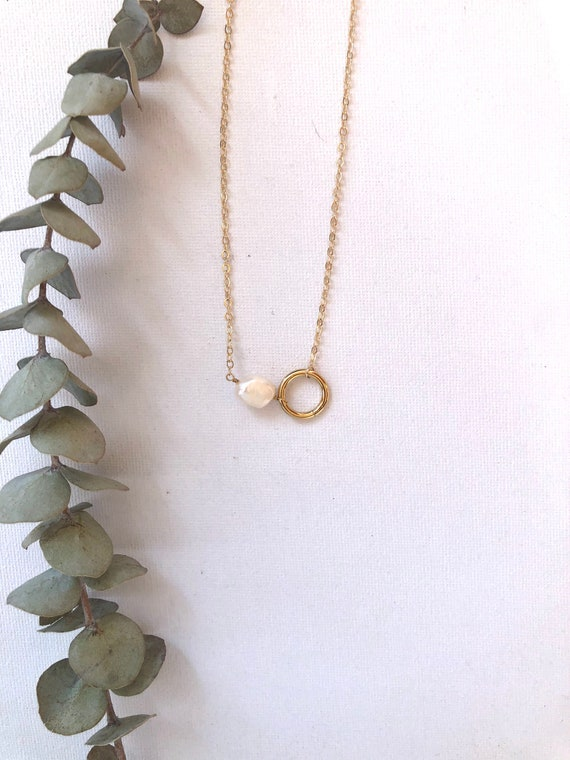 Yuki - large pearl, circle, goldfilled dainty chain necklace