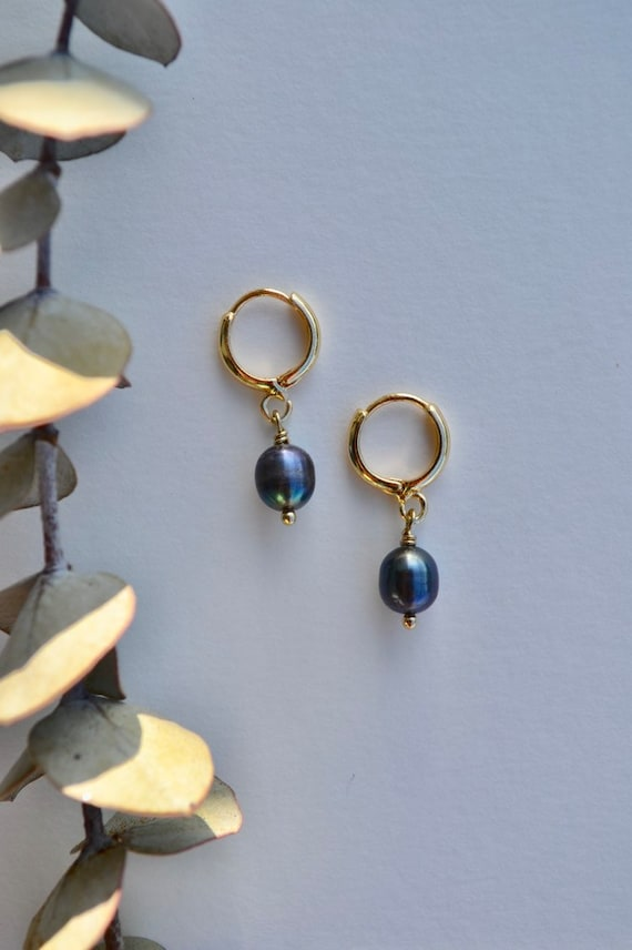 Ianna - gold plated blue grey pearl tiny dainty earring