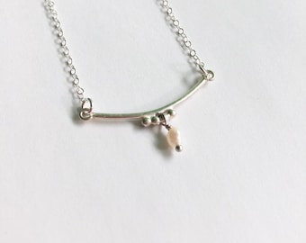 Daria - gold filled or sterling silver delicate chain and pearl pendant