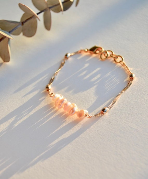 Isleen - minimalist dainty pearl bracelet, wedding, gift