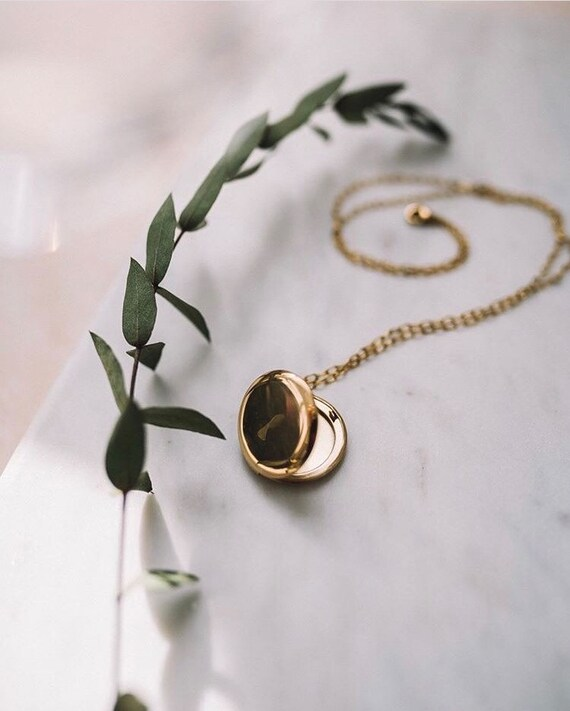 Antonia locket, dainty chain necklace