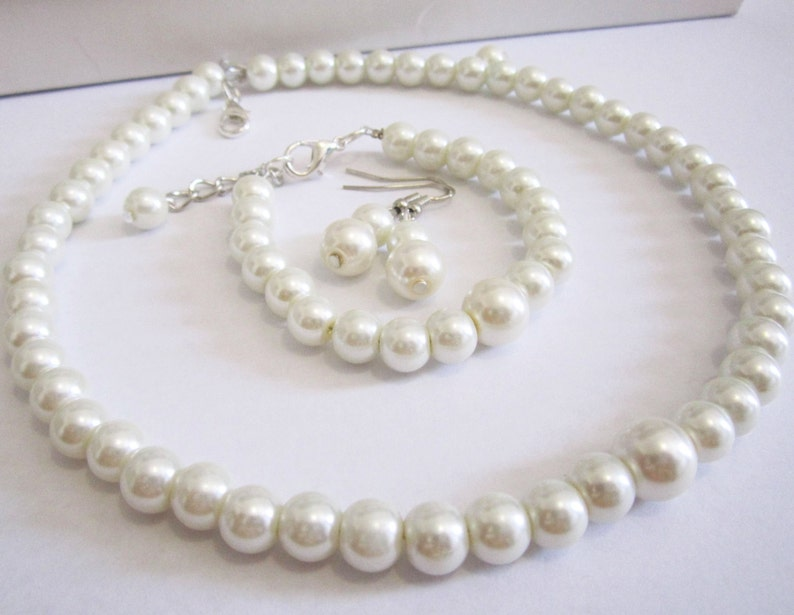 1621394e8e209 Ivory or white pearl choker, Pearl necklace, bracelet earring set, simple  single strand pearl and necklace, bridal, bridesmaid jewelry