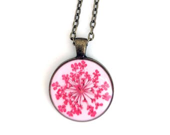 Red Queen Anne's Lace Resin Pendant Necklace -  Real Pressed Flower Encased in Resin, Pressed Flower Jewelry - Real Flower Jewelry