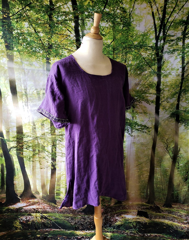 S Classic Tunic in Purple Linen with Black and Purple Leaf image 0