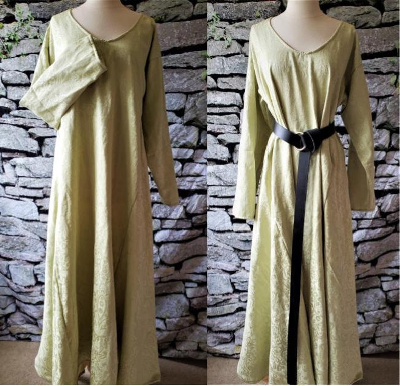 L Classic Underdress in Light Green Linen image 0