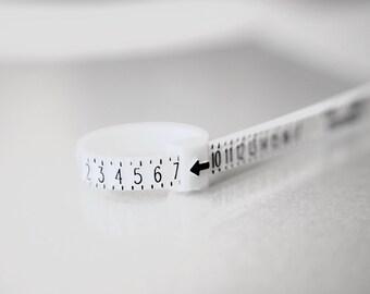Ring sizer - Adjustable plastic ring size finder