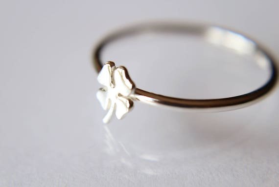 Lucky Ring, Clover Ring, Shamrock Ring, Simple Four Leaf Clover Ring, Gift, March, St. Patricks Day, Lucky, Clover, Minimalist, Gift
