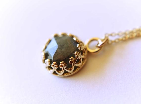 Gold Labradorite Necklace, Labradorite Necklace, Simple Labradorite Pendant, Natural Gemstone, Labradorite Jewelry, Rose Cut Labradorite