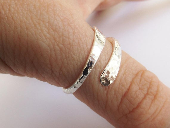 Bypass Thumb Ring,Hammered Thumb Ring,Textured Thumb Ring,Wrap Around Ring,Statement Ring,Bypass Ring,Sterling Silver Jewellery, Modern Ring