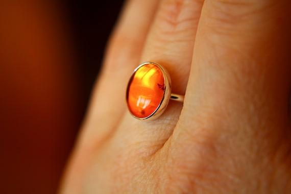 Amber Ring, Gemstone Ring, Large Amber Ring, Baltic Amber, Modern, Simple, Everyday, Gift, Gemstone Jewelry, Natural Stone, Cocktail Ring