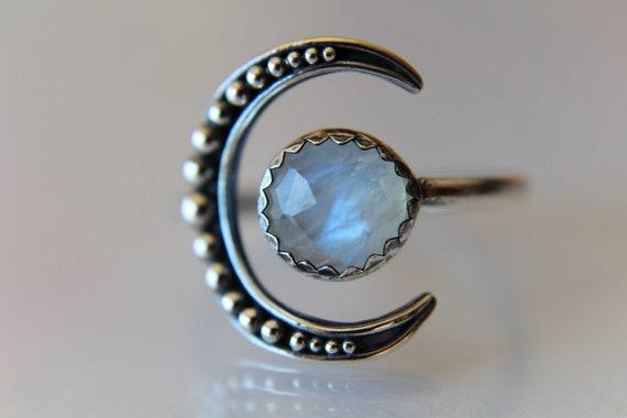Moon Ring, Moonstone Ring, Crescent Moon Ring, Faceted Moonstone Ring, Beaded Moon Ring, Crescent Moon, Moon Jewelry, Moonstone Jewelry,Gift