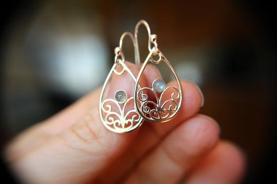 Sterling Silver Filigree Earring, Drop Earring, Labradorite Earrings, Boho Earrings, Simple Chic Earrings, Modern Style Filigree Earring