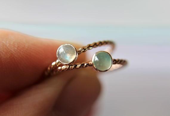 Gemstone Ring, Twist Ring, Modern Ring, Labradorite, Gemstone Stacking Ring, Gemstone Jewelry, Boho Chic, Minimalist Ring, Stacking Ring