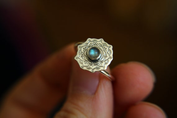Sterling Silver Mandala Ring, Labradorite Ring, Mandala Ring, Stacking Ring, Stackable Ring, Minimalist Ring, Mandala Bypass Ring, Gift