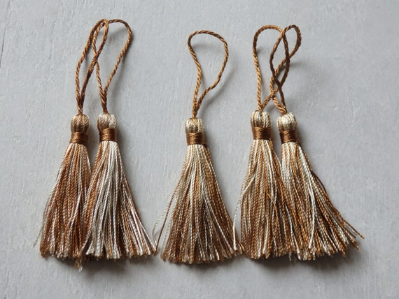 5 small tassels for jewelry home decor 5 pcs. FIVE two-tone tassels in bronze and ivory 10cm4 tassels small jewelry tassels malas
