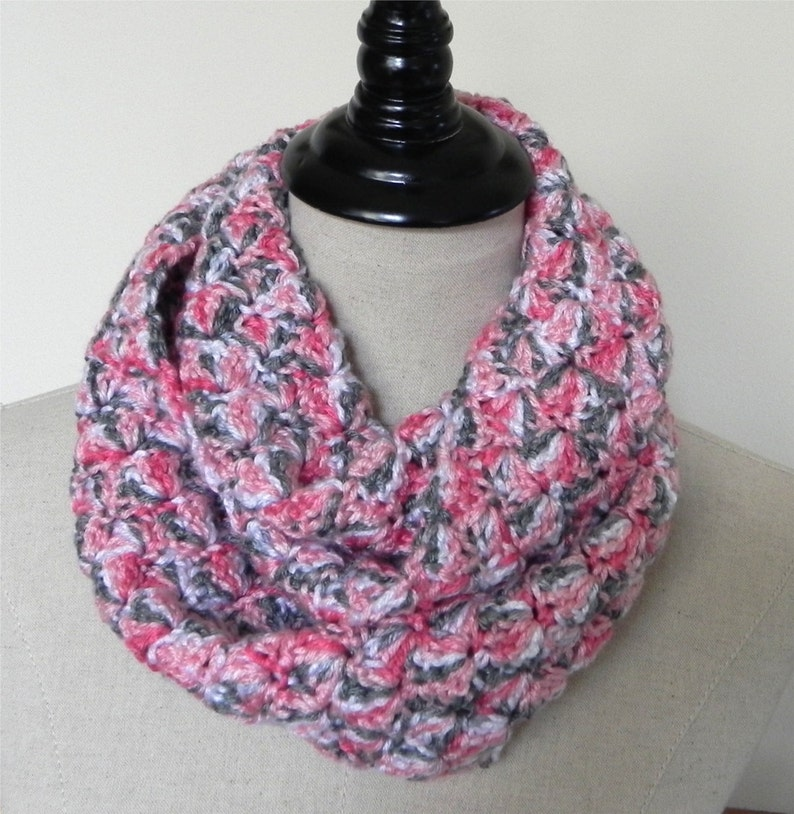 Crochet infinity scarf in shades of rose pink gray and white image 0