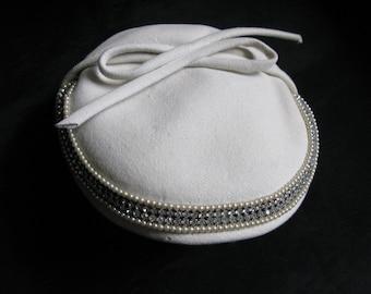 1940s 50s Pillbox Hat Women White Felt Rhinestones Wedding Winter Ladies Dress Hat