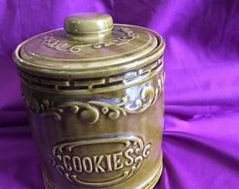 Vintage Monmouth Pottery Cookie Jar