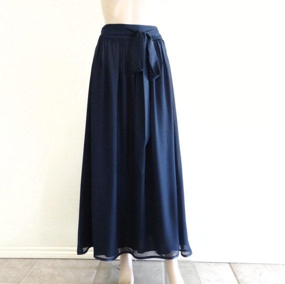 varios estilos como serch venta al por mayor Falda Maxi azul marino. Falda larga azul marino. Falda de piso longitud  dama de honor. Falda larga de noche.