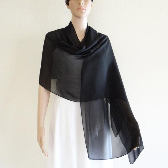 4a89ac7d616b Longue écharpe noire. Foulard en mousseline de soie. Wrap noir foulard.  Châle en mousseline de soie ...