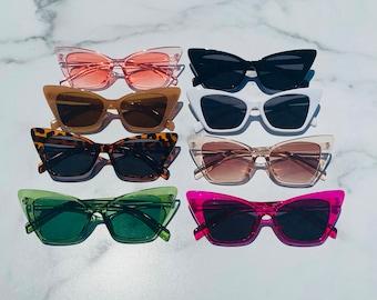 Retro Triangle Cat Eye Sunglasses   Cateye Sunglasses   Retro Sunglasses   Pointed Cateye Sunglasses   Hallie