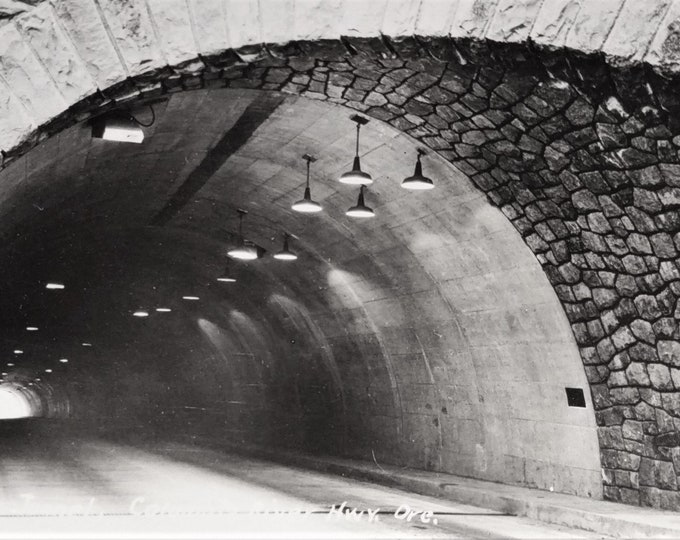 Original Vintage Postcard Bonneville Tunnel Columbia River Highway Mosier, Oregon OR Wasco County Real Photo Unused Condition 3x5