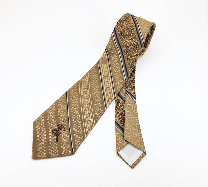 1970s COUNTESS MARA Tie Men/'s Vintage Disco Era 70s Striped Woven Tan Brown Necktie by Countess Mara New York