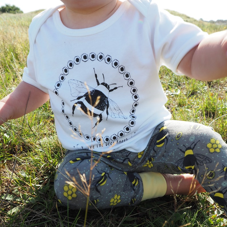 screen printed eco-friendly baby wear Bee baby leggings and T-shirt set bee illustration baby clothing organic cotton baby set