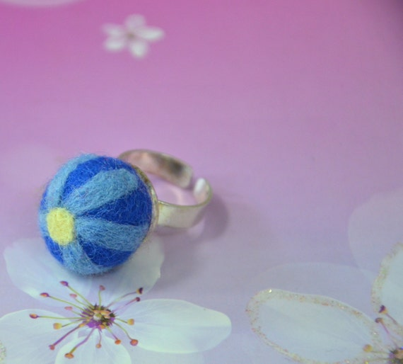 Felt pin cushion ring