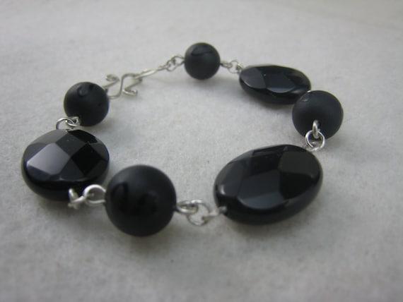 Grueso Facetado Negro Onyx piedras preciosas /& Pendientes de plata esterlina corto