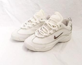 Vintage Womens The Nike Spirit II Cheerleader Shoes Size 5 Deadstock NIB 1998