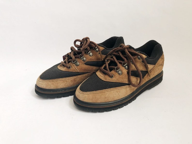 Vintage LA Gear Canyon Cruiser Low Sneakers Shoes Womens Size image 0
