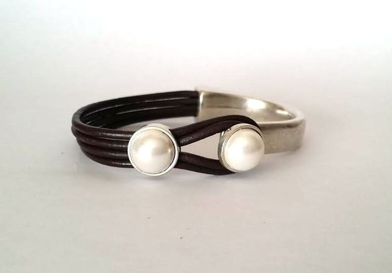 leather and pearl bracelet for women leather bracelet pearl and leather women bracelet gift for women pearl bracelet uno de 50 style