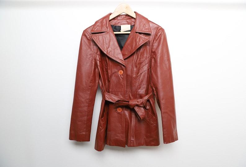 women/'s size medium vintage women/'s LEATHER 1960s 70s does 90s wrap club kid y2k style jacket